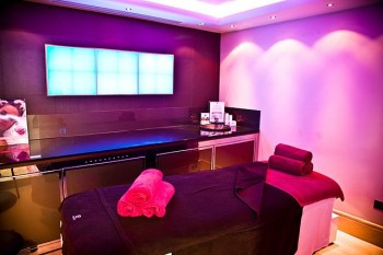 colour healing therapy room